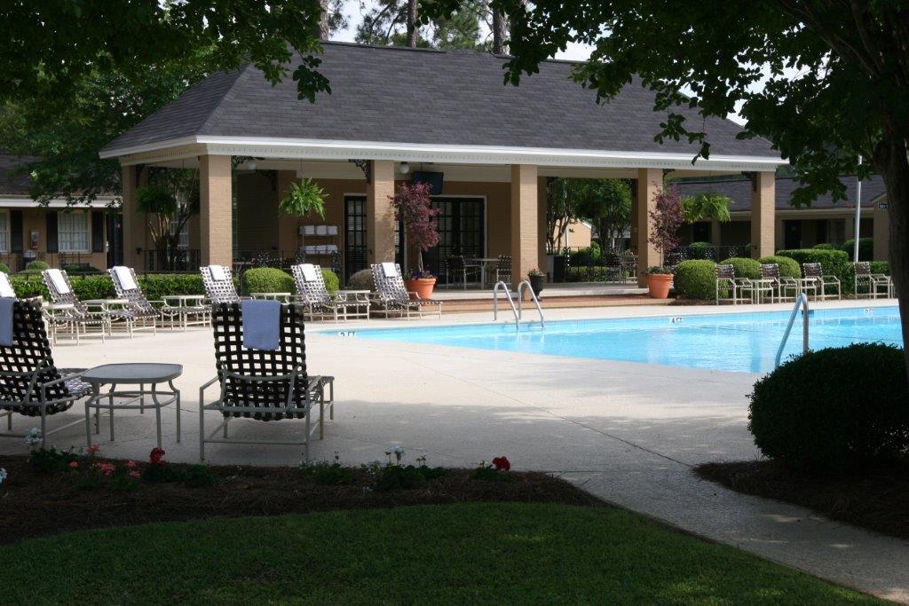 Merry Acres Hotel Pool View